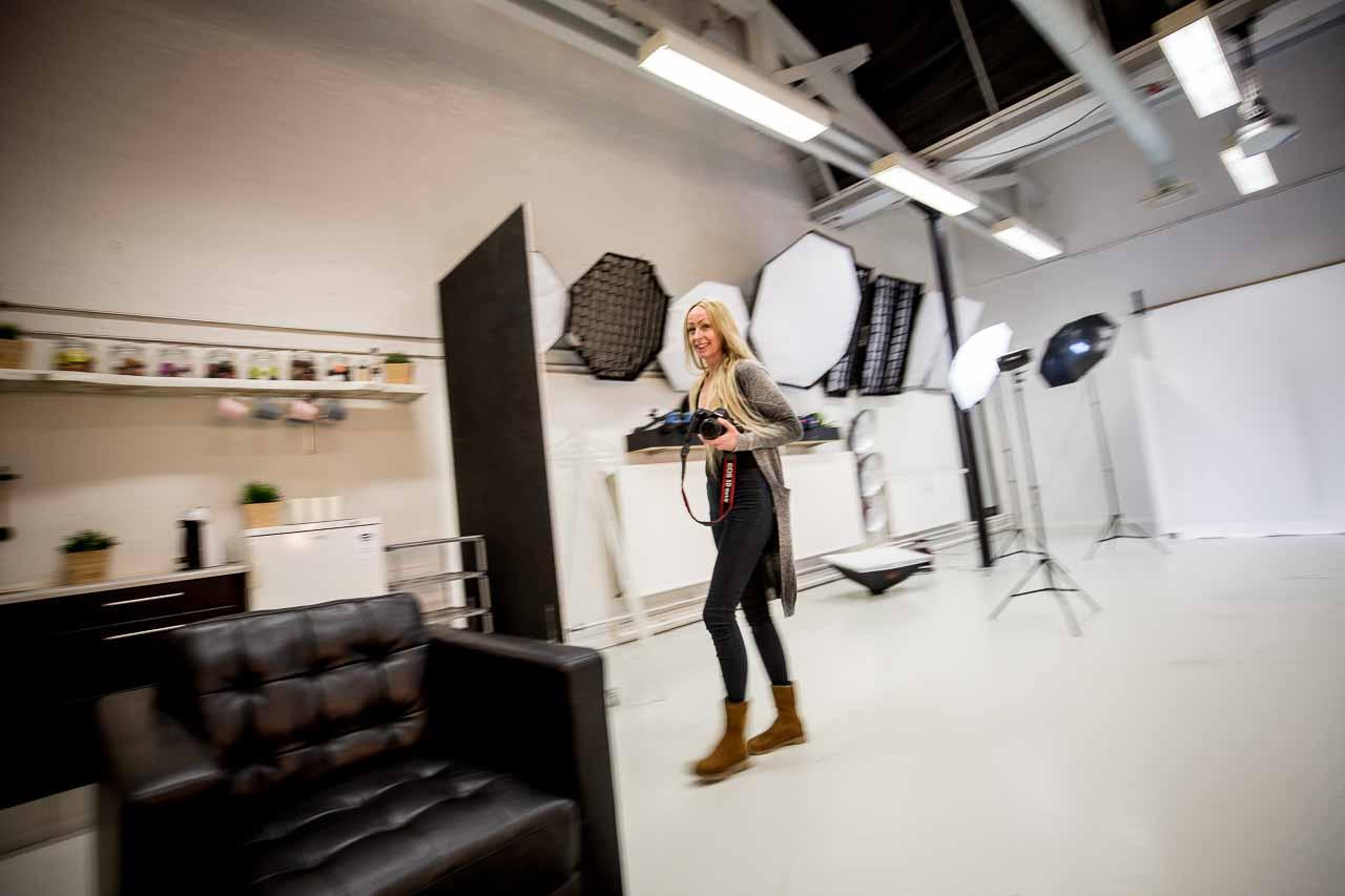 fotograf i foto studio
